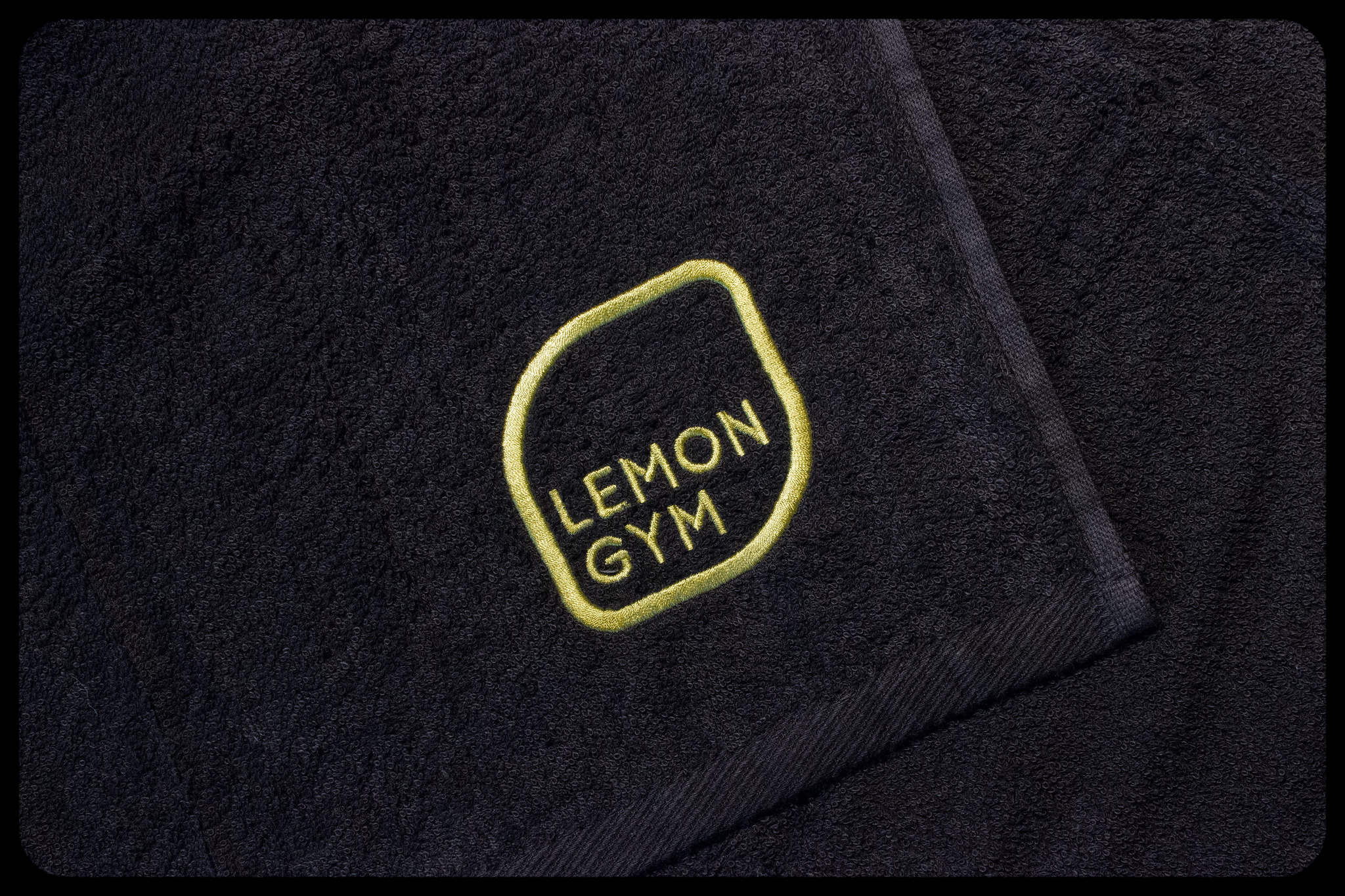 lemon gym izšuvums
